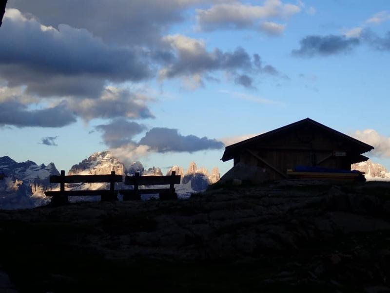 cena sotto le stelle guide alpine rifugio segantini (2)