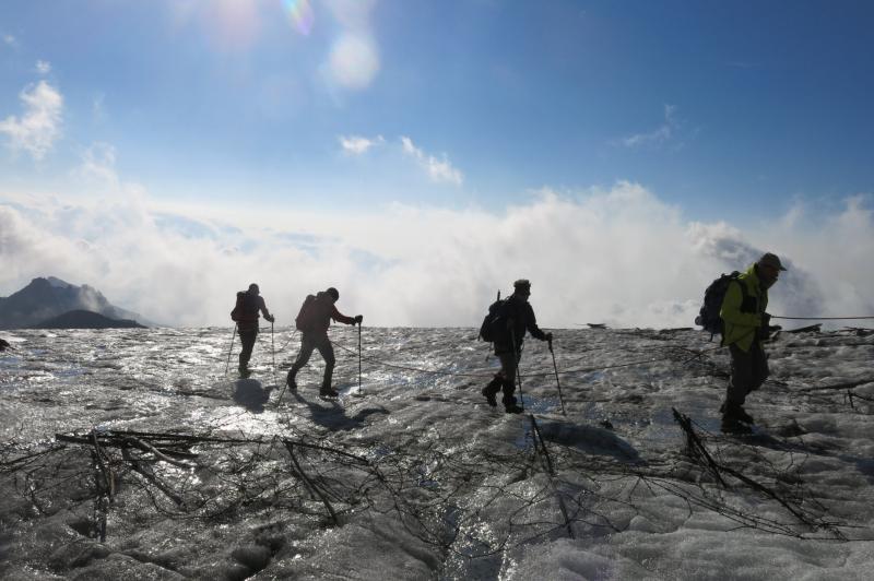 sul ghiacciaio tra i resti di guerra