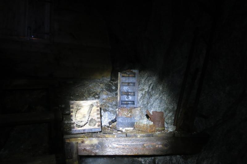 reperti nella grotta del Cavento