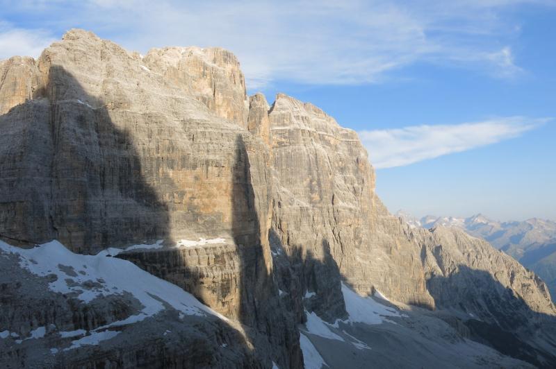 ombra del Campanil Basso sulle pareti della cima Tosa