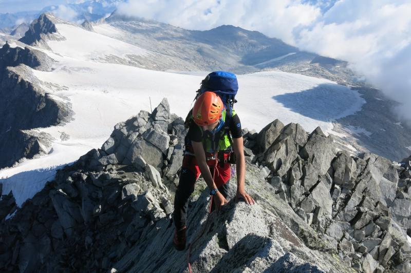 ultimo tratto di arrampicata sotto la cima